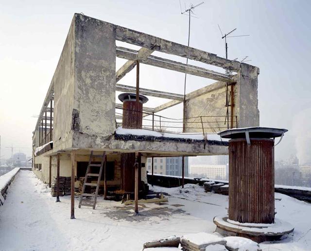 Narkomfin Building, Moscow, 1928-1932, Moisei Ginzburg, photo 2007