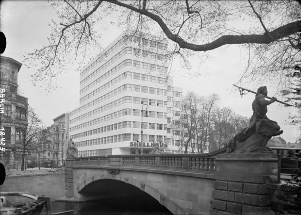 Emil Fahrenkamp / Shell Haus / Berlin / 1930 - 32